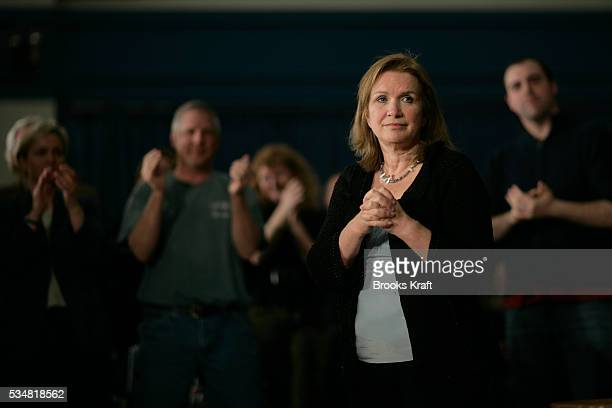 Democratic presidential hopeful John Edwards' wife Elizabeth during a town meeting at the University Of New Hampshire in Durham New Hampshire
