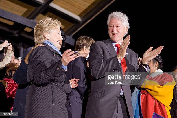 Democratic presidential hopeful New York Senator Hillary Rodham Clinton is and her husband US president Bill Clinton at a campaign stop at White...