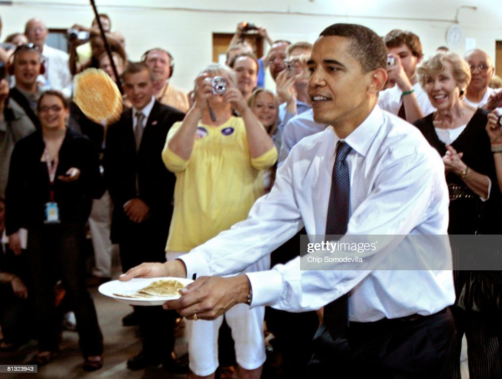 Barack Obama Campaigns Ahead Of Last Primaries Of 2008 Election : News Photo