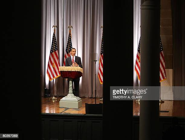Democratic presidential hopeful Sen Barack Obama speaks in the Great Hall of New York's Cooper Union on March 27 2008 Obama Thursday vowed to clean...