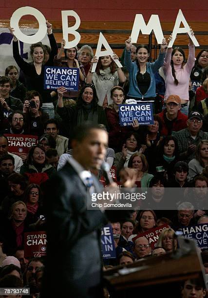Democratic Presidential hopeful Sen Barack Obama's campaign volunteers Samantha Bilotta of Medway Massachusetts Julia Hickey and Amanda Hickey of...