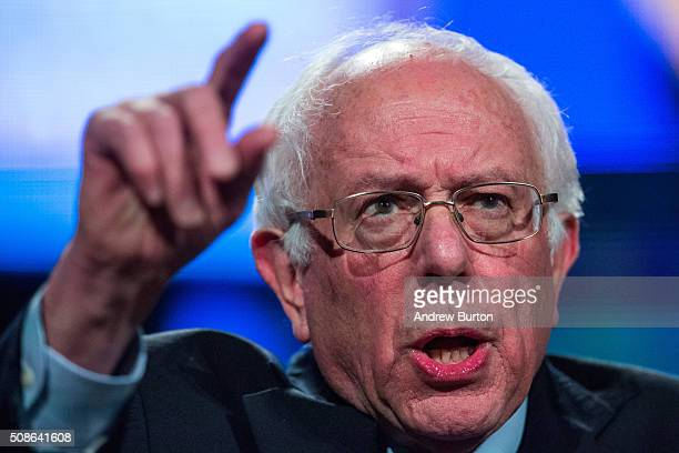 Democratic presidential hopeful Sen Bernie Sanders speaks at the New Hampshire Democratic Party's 2016 McIntyre Shaheen 100 Club Celebration on...