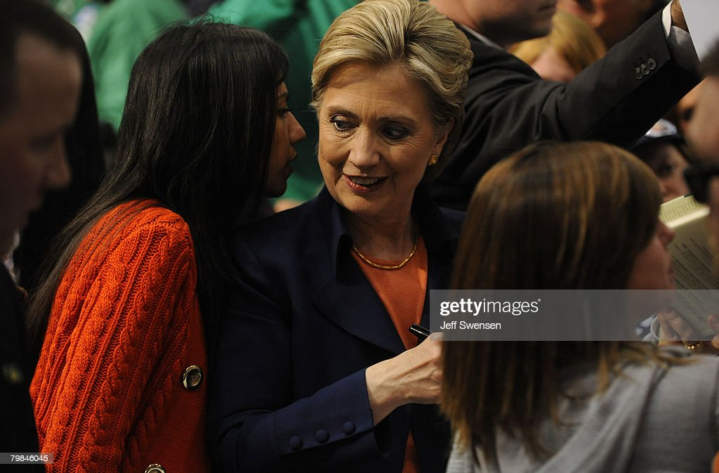 Hillary Clinton Holds Campaign Rally On Night Of Wisconsin Primary : News Photo