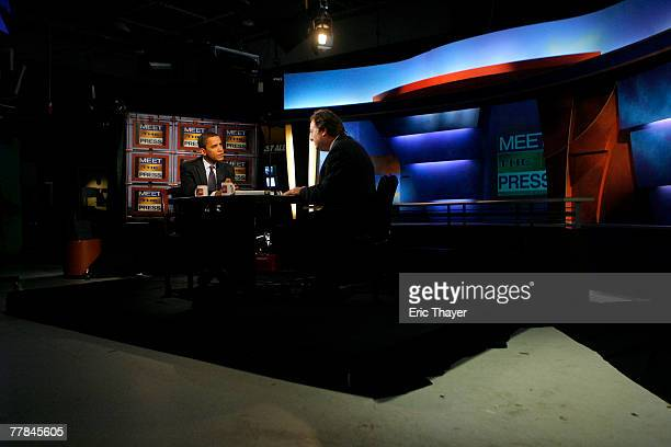 Democratic Presidential hopeful Senator Barack Obama appears on 'Meet the Press' with Tim Russert November 11 2007 in Des Moines Iowa Obama spoke on...