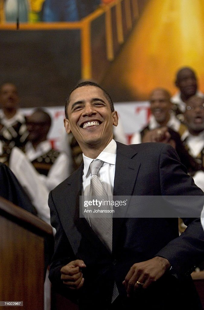 Democratic presidential hopeful Senator Barack Obama (D-IL) dances as the choir sings during a service commemorating the Los Angeles riots at the First AME Church April 29, 2007 in Los Angeles, California. The Los Angeles riots, which started 15 years ago on April 29, 1992, lasted three days and resulted in 53 deaths.