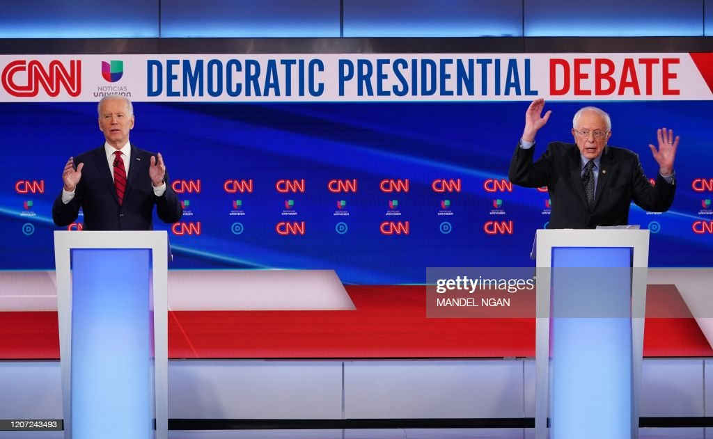 US-POLITICS-VOTE-DEMOCRATS-DEBATE : News Photo