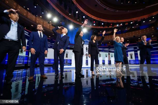 Democratic presidential hopefuls US attorney and entrepreneur Andrew Yang, Mayor of South Bend, Indiana Pete Buttigieg, former US Vice President...