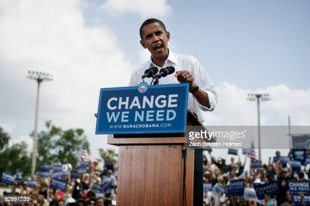 Democratic Presidential nominee Barack Obama speaks to an estimated crowed of 11000 September 24 2008 at Knology Park in Dunedin Florida Obama is...