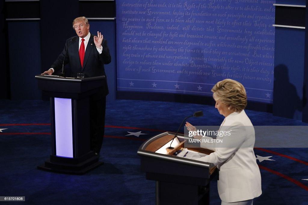 TOPSHOT-US-VOTE-DEBATE : Nachrichtenfoto