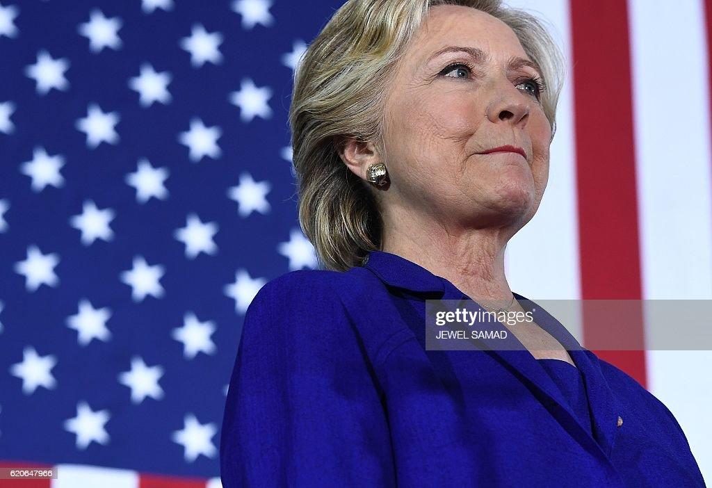 US-VOTE-DEMOCRATS-CLINTON : News Photo
