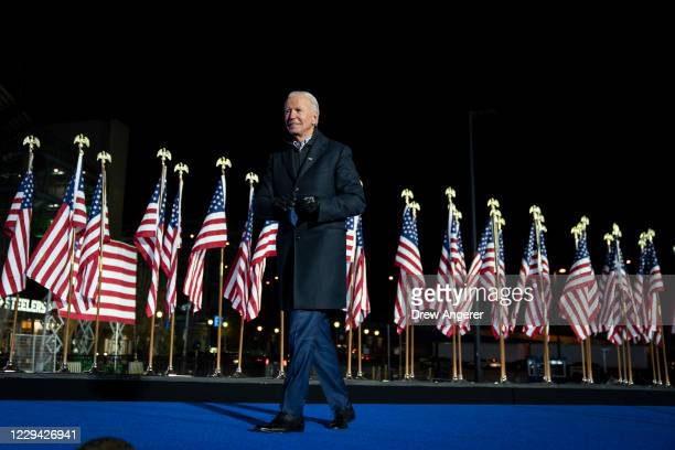 Democratic presidential nominee Joe Biden departs after speaking at a drive-in campaign rally at Heinz Field on November 02, 2020 in Pittsburgh,...