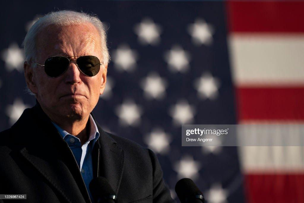 Presidential Candidate Joe Biden Campaigns In St. Paul, Minnesota : News Photo