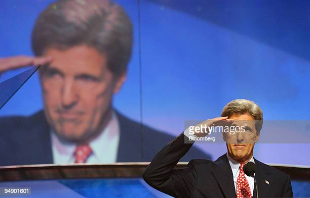 Democratic Presidential nominee Sen John Kerry salutes before addressing the final session of the Democratic National Convention Thursday July 29...