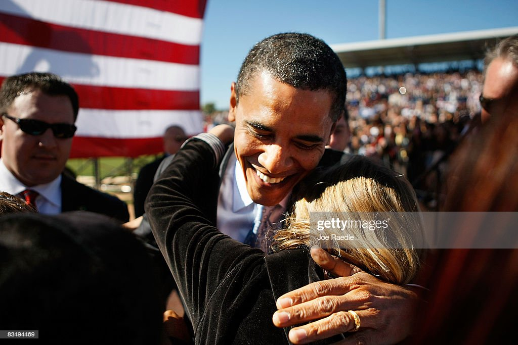 Obama Campaigns Across The U.S. In Final Week Before Election : News Photo