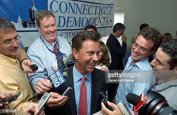 S Democratic Senate nominee Ned Lamont is surrounded by press at State Democratic Headquarters August 9 2006 in Hartford Connecticut Lamont beat...