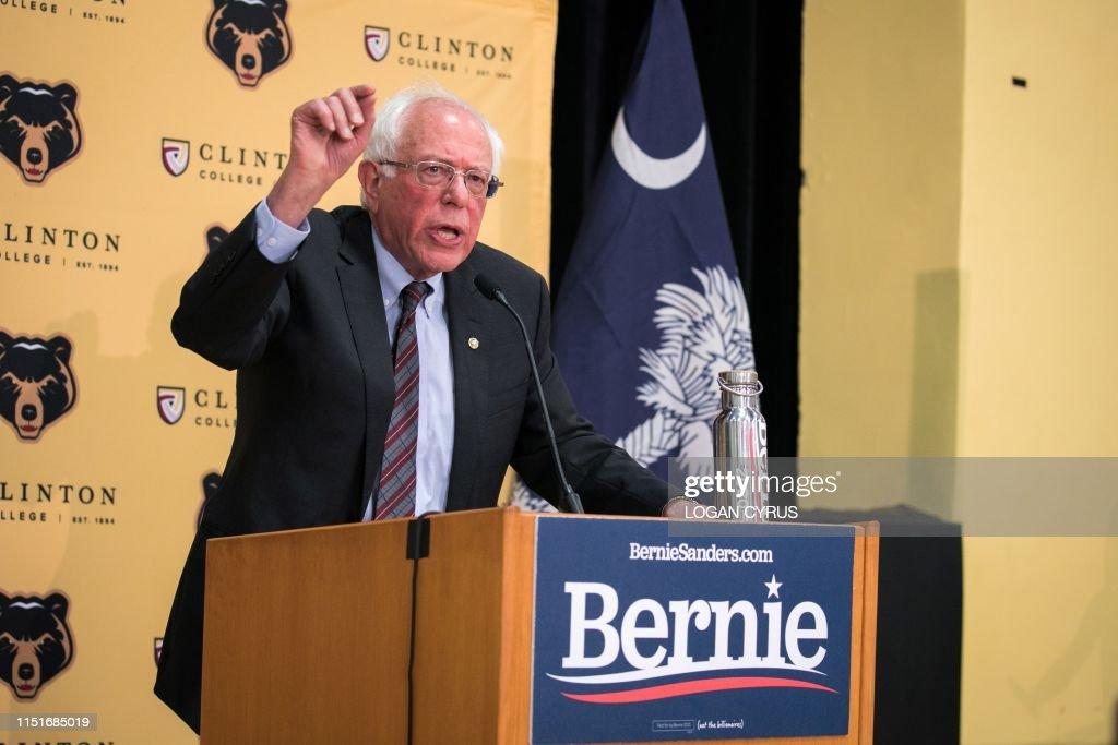 US-POLITICS-VOTE-2020-SANDERS : News Photo
