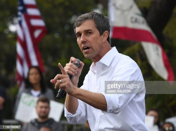 Democratic US presidential candidate Beto O'Rourke speaks to supporters during a campaign rally at the start of his fourday visit to the state in Los...