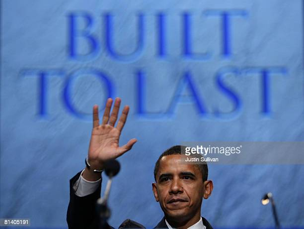 Democratic US presidential candidate Sen Barack Obama waves after speaking at the 2008 American Israel Public Affairs Committee Policy Conference at...