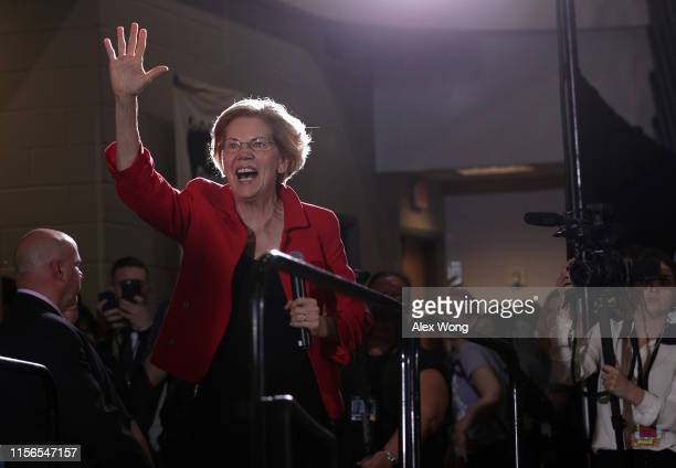 Democratic US presidential candidate Sen Elizabeth Warren arrives at the Moral Action Congress of the Poor People's Campaign June 17 2019 at Trinity...