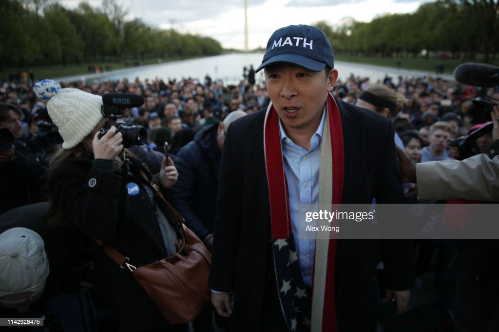 Presidential Candidate Andrew Yang Holds A Campaign Rally At The Lincoln Memorial : News Photo