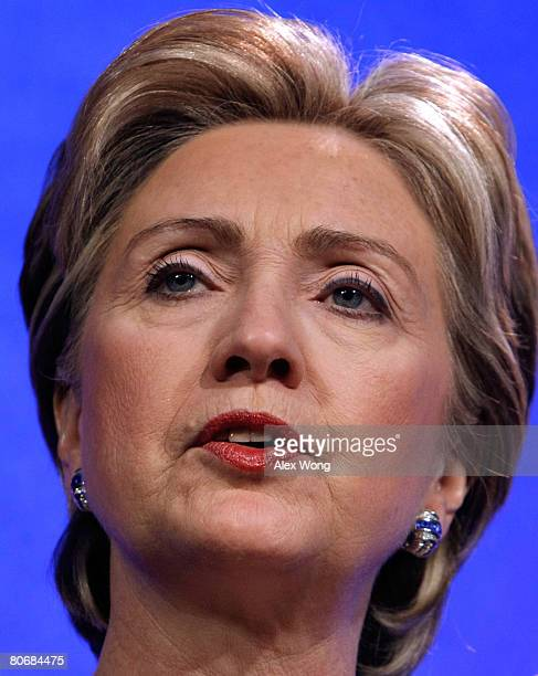 Democratic U.S. Presidential hopeful Sen. Hillary Rodham Clinton speaks during the Newspaper Association of America convention April 15, 2008 at the...