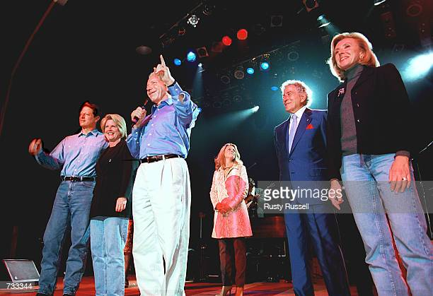 Democratic vice presidential candidate Senator Joe Lieberman speaks to a group of supporters October 24, 2000 at the Wildhorse Saloon in Nashville,...