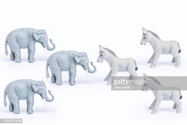 democrats vs. republicans: u.s. government and politics at war - republican party stock pictures, royalty-free photos & images