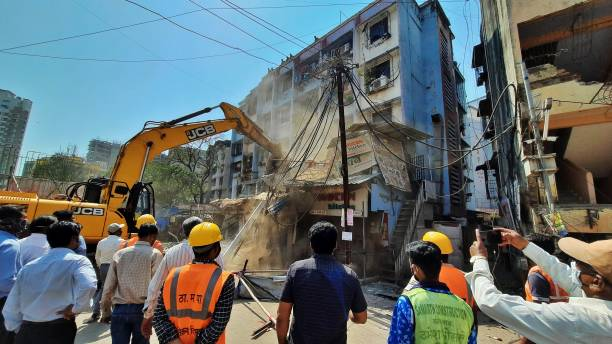 IND: After Bombay High Court Order, TMC Starts Razing Illegal Buildings At Diva