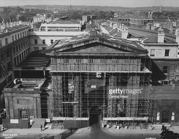 Demolition begins on the Euston Arch a Doric propylaea at the entrance to Euston Station in London UK 5th October 1961 It is being dismantled as part...