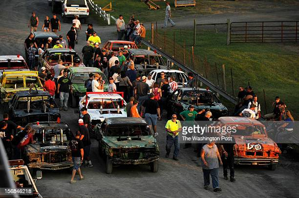 Demolition Derby Stock Photos And Pictures Getty Images - Derby cars