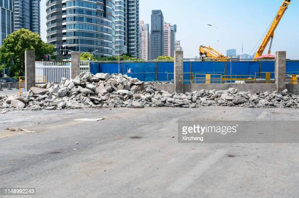 demolition rubble - rubble stock pictures, royalty-free photos & images