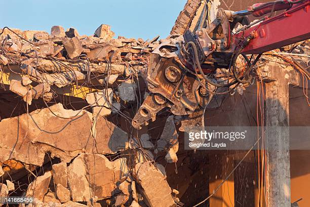 demolition work - demolishing stock pictures, royalty-free photos & images