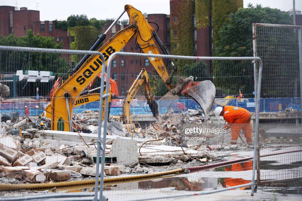 Demolition work takes place at the Nine Elms Square construction site in London, U.K., on Tuesday, Aug. 22, 2017. BillionaireWang JianlinsDalian Wanda Group Co.scrapped plans to buy the land plot in London for 470 million pounds ($606 million) amid the Chinese governments intensifying scrutiny of overseas investments. Photographer: Luke MacGregor/Bloomberg via Getty Images