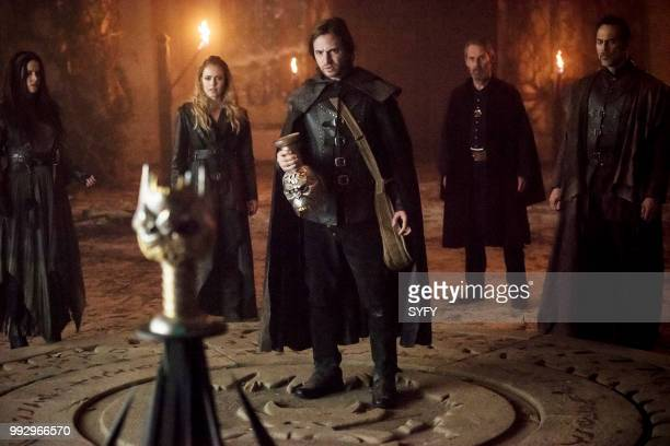 12 MONKEYS 'Demons' Episode 408 Pictured Emily Hampshire as Jennifer Goines Amanda Schull as Cassandra Railly Aaron Stanford as James Cole Julian...
