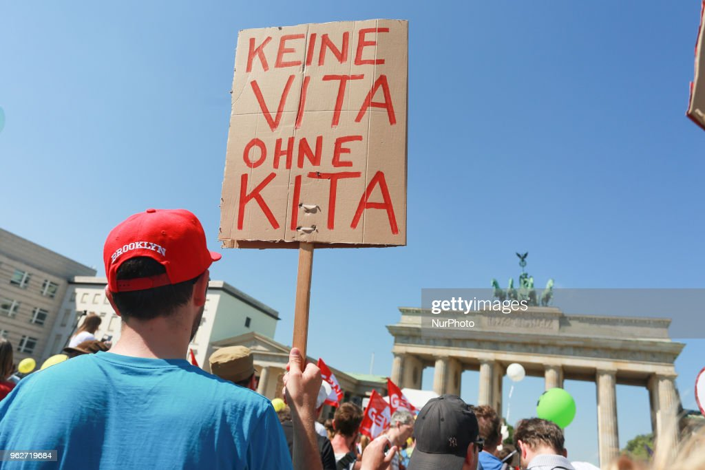 Kita Krise - Demonstration In Berlin