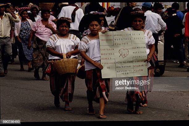 Demonstration by Indians against the Hispanic colonisation