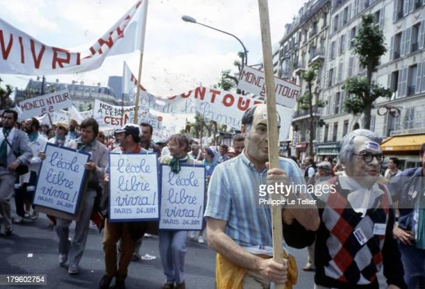 Demonstration for free and private school in May 1984 Paris France Manifestation pour l ecole libre et privée en Mai 1984 Paris France