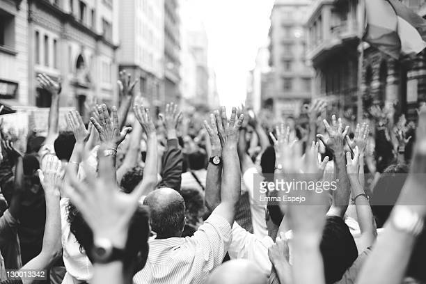 demonstration for real democracy - democratie stockfoto's en -beelden