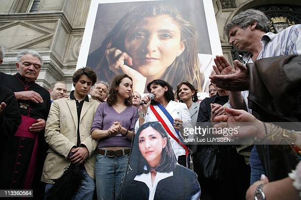 Demonstration For The Release Of Ingrid Betancourt In Paris France On May 23 2007 Melanie and Lorenzo Betancourt and their father Fabrice Delloye...
