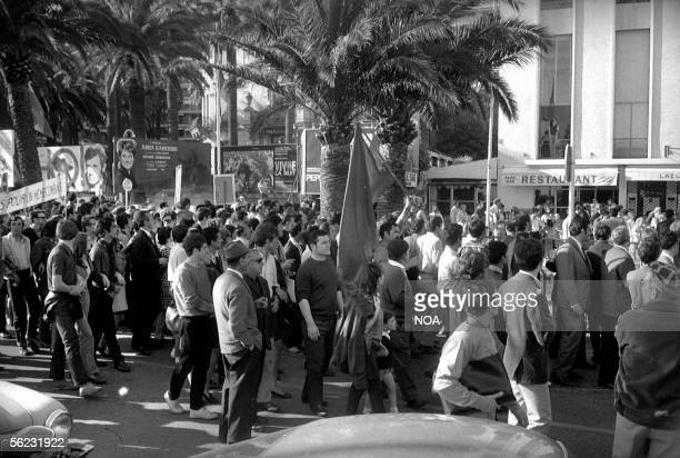 Demonstration in front of the Festivals palace Cannes may 1968 HA107714