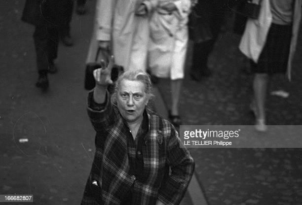 Demonstration In Support Of General Charles De Gaulle From Concorde To Etoile En mai 1968 la France connait un important mouvement de révolte...
