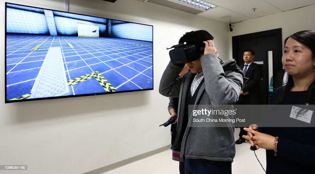 Demonstration of the virtual reality training equipment during a