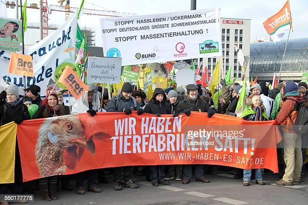 Demonstration under dem Motto Wir haben es satt für besseren Tier und Klimaschutz in der Landwirtschaft am Rande der Grünen Woche in Berlin