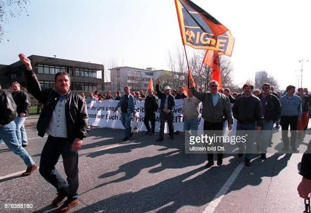 Demonstration von Bergleuten gegen die geplanten Kürzungen der Subventionen im Protestmarsch in Bonn
