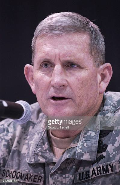 DEMONSTRATIONArmy Chief of Staff General Peter Schoomaker during a news conference after a demonstration of future combat systems for the media at...