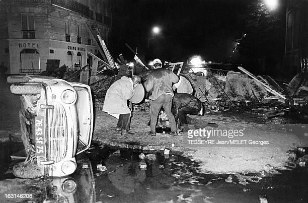 The Riots Of The Night Of May 10Th To 11Th Les émeutes au quartier Latin dans le nuit du 10 au 11 mai 1968 Les étudiants ont dressé une cinquantaine...