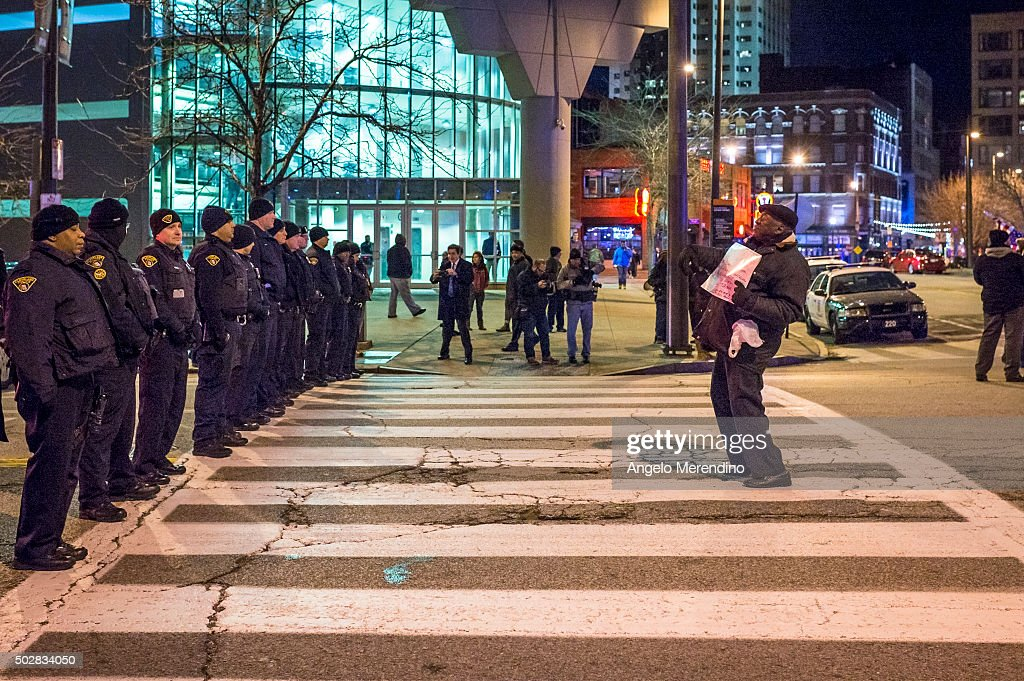 Clevelanders Protest Grand Jury Decision Not To Indict Cops In Tamir Rice Shooting : News Photo