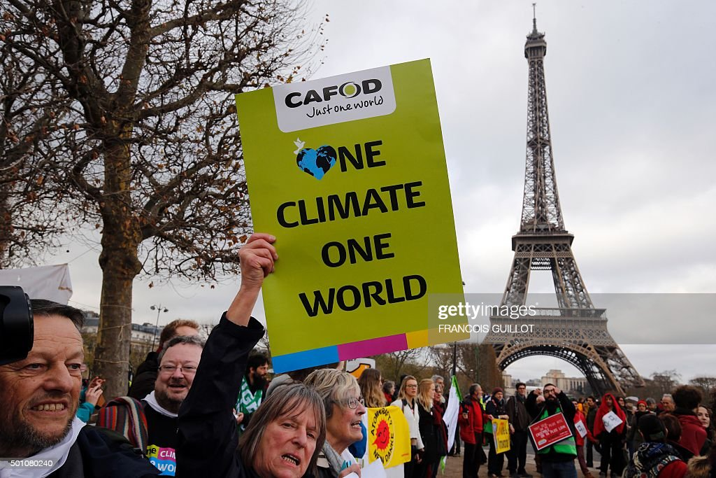 FRANCE-CLIMATE-WARMING-COP21-DEMO : News Photo