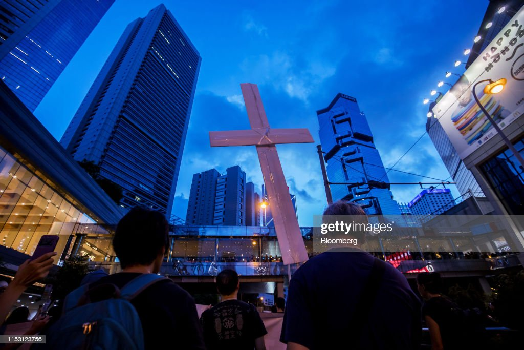 Hong Kong Girds for More Gridlock as China, Protesters Dig In : News Photo