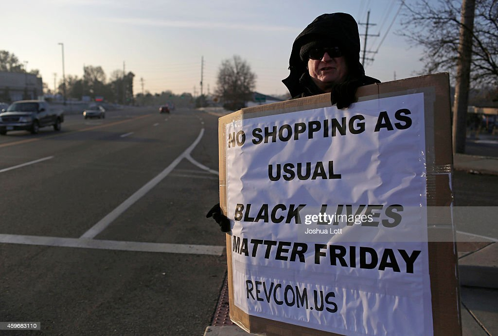 Holiday Shopping Begins In Ferguson As Protests Continue : News Photo